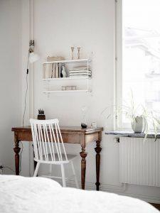 vintage wod desk with scandinavian white chair